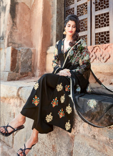 AMAZING BLACK EMBROIDERED PALAZZO SUIT